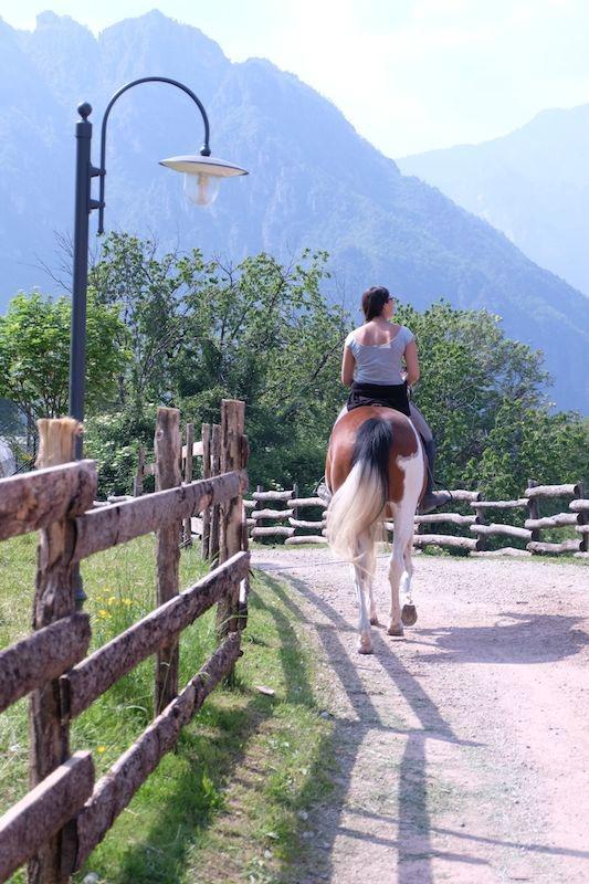 andare a cavallo tremosine