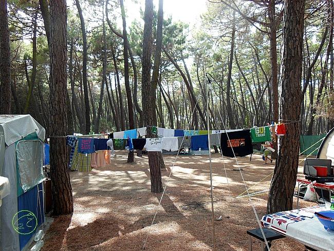 stendipanni in campeggio