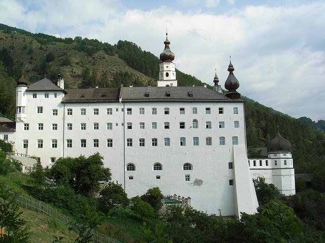 abbazia di monte maria burgusio