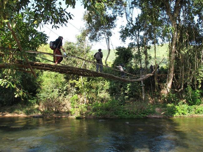 Trekking nelle giungle del Laos