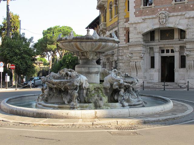 piazza mincio roma coppedè