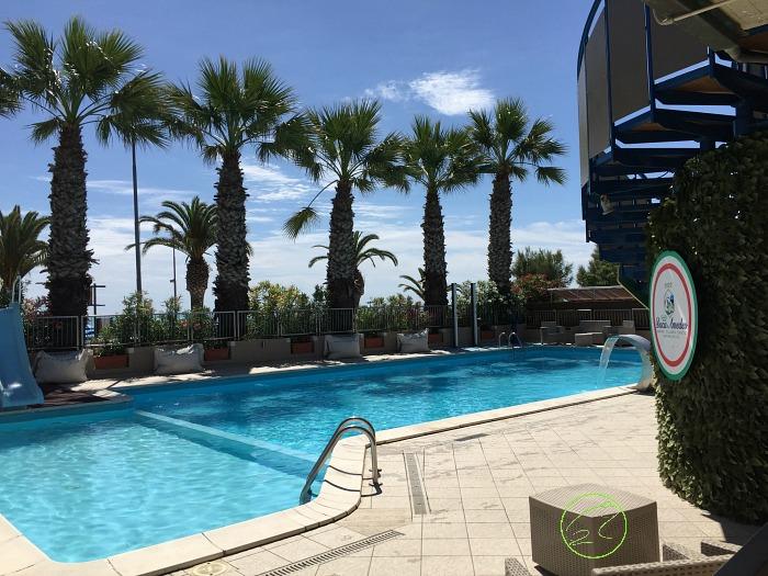 piscina del camping duca amedeo