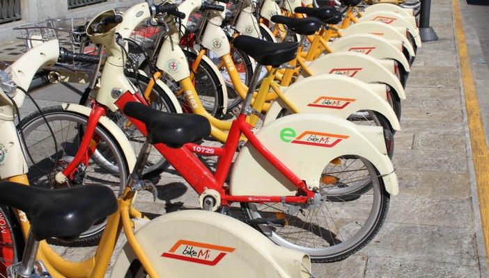 Bike sharing milano tutti pazzi per il noleggio viaggi for Mobile milano bike sharing