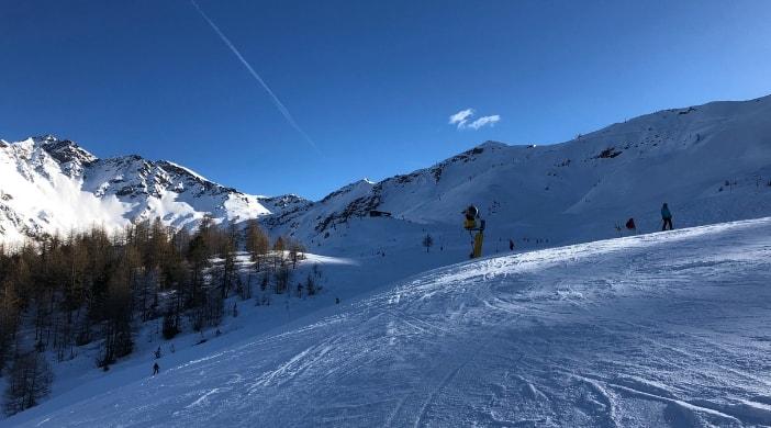 valle d'aosta con bambini in inverno